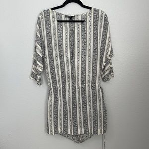 Elizabeth and James Printed 100% Silk Tunic & Shorts Size Small